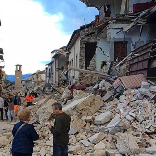 Terremoto, un minuto di silenzio